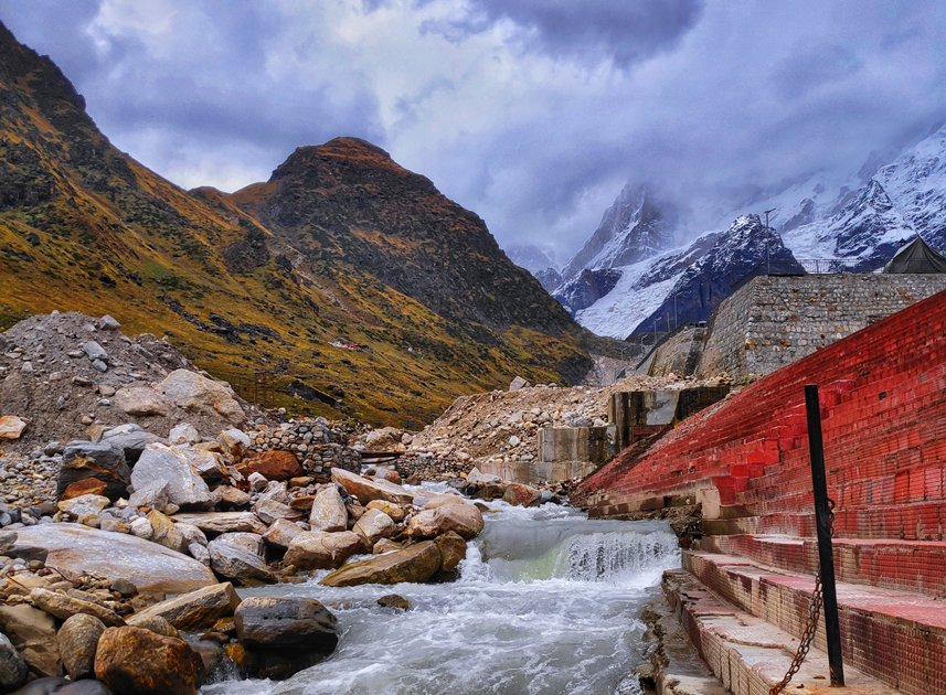 Gushing river, Kedarnath