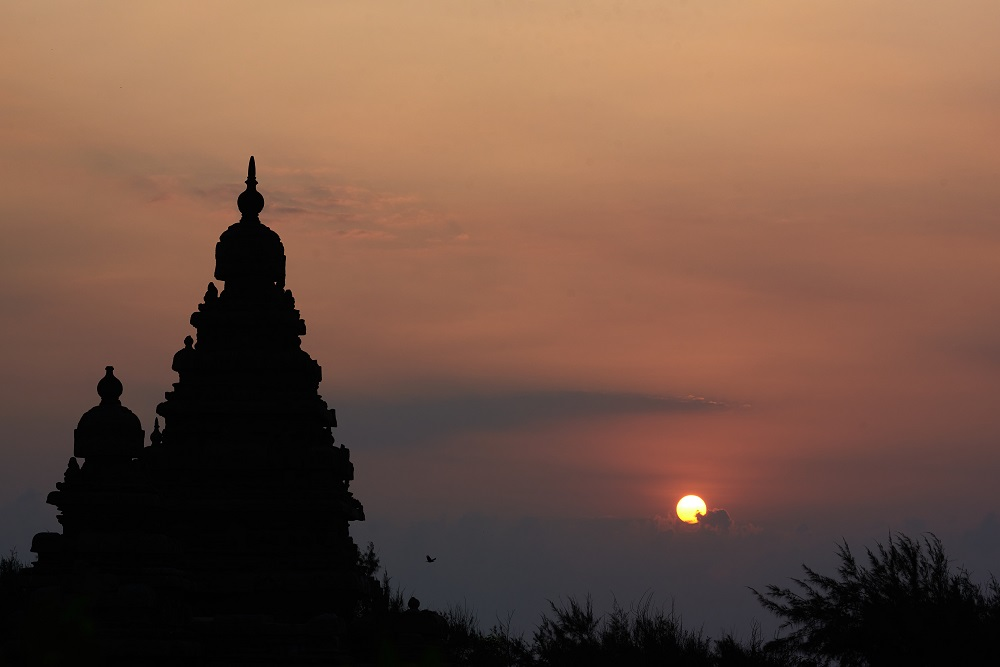 sunset background of shore temple